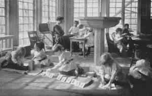 early montessori classroom